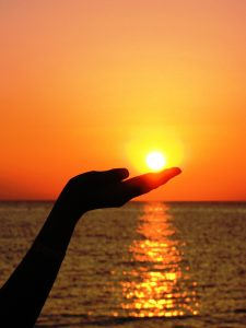 sun-hand-finger-light-53536